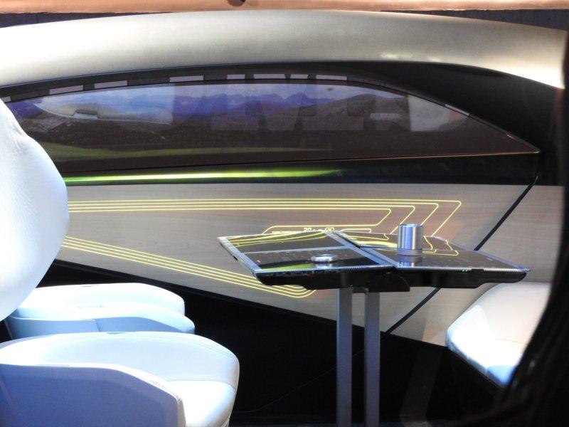 CES-2017-inside-panasonic-concept-car-800x600